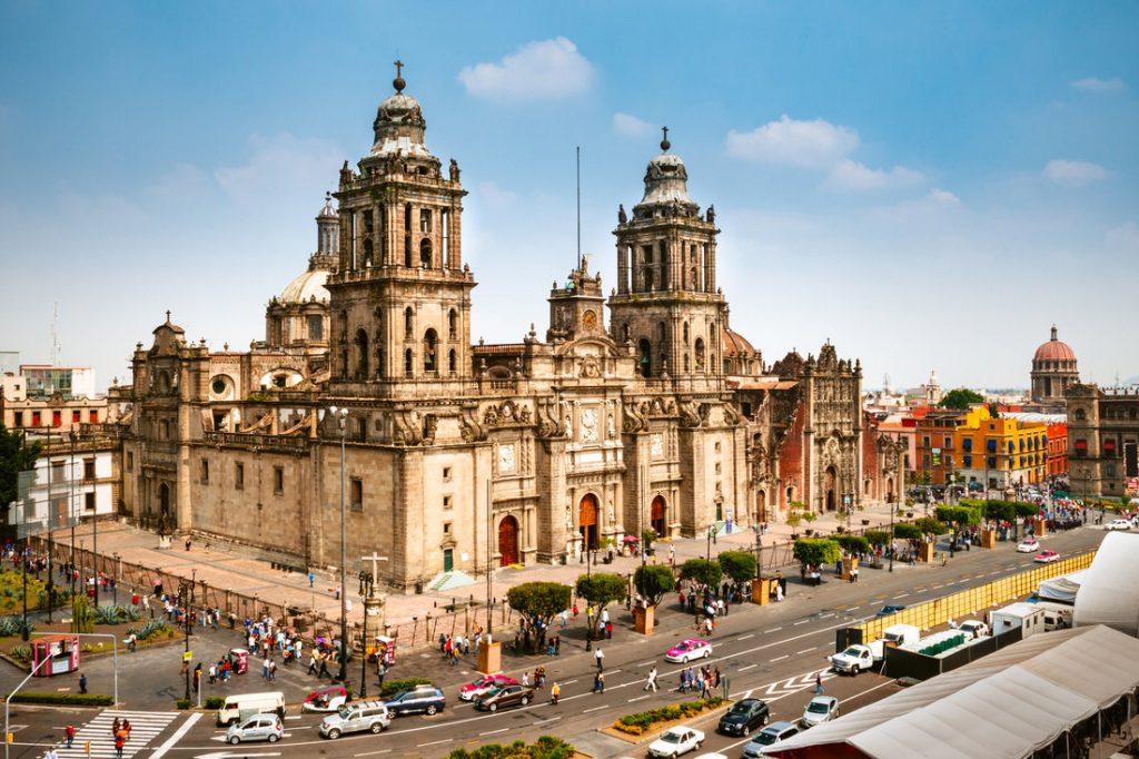 День 2. Мехико сити — Теотиуакан — Антропологический музей. (140 км)