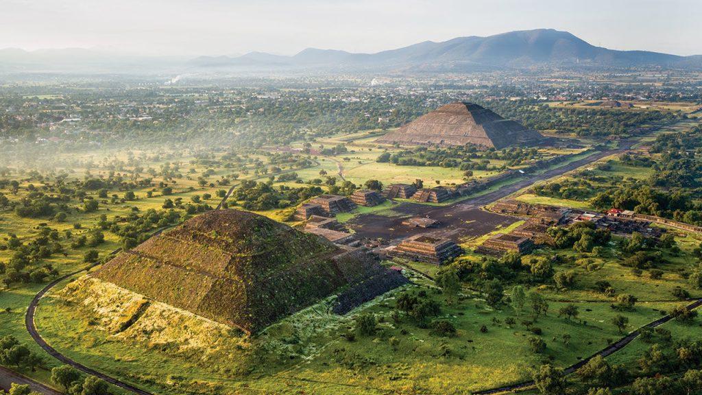 День 2. Мехико сити – Антропологический музей – пирамиды в Теотиуакане. (140 км)